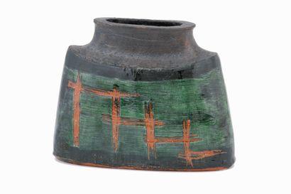 Dominique POUCHAIN (1956)  Vase méplat  Céramique...