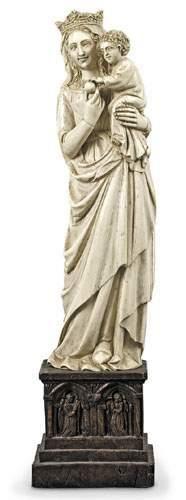 Vierge à l'Enfant. Sculpture en ivoire. Sur...