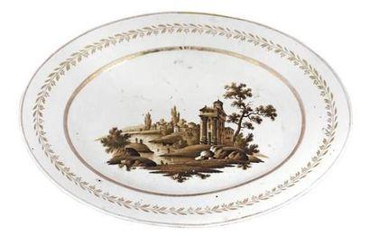 Manufacture Popov, vers 1780 Grand plat ovale...