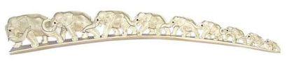 «Cortége des éléphants». Ivoire et rubis....