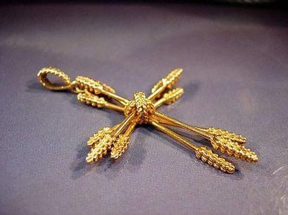 Croix en or jaune à branches en épis de blé...