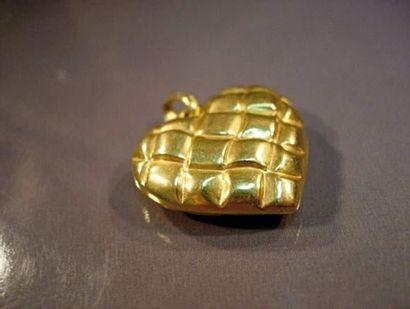 Cœur pendentif en or jaune matelassé Poids...