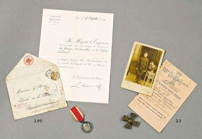 Lot : Livret militaire, photo et insigne...
