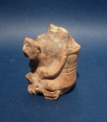 CHARSADDA (300 av. J.C.) Vase utilisé pour...