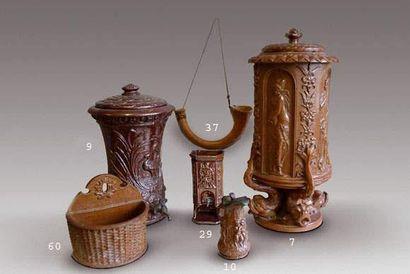 Rare fontaine miniature en grès brun salé,...