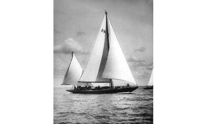 BEKEN et SON (Cowes). Le yacht Lara Tirage...