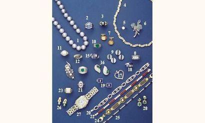 Photo 4 1.COLLIER de perles de culture grise...