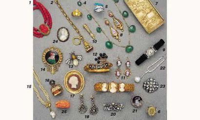 PHOTO 1 1.BRACELET, en or, et camée corail....