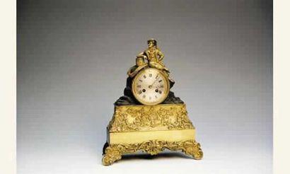 Pendule en bronze « au marin » cadran argenté chiffres romains. Bronze doré et à...