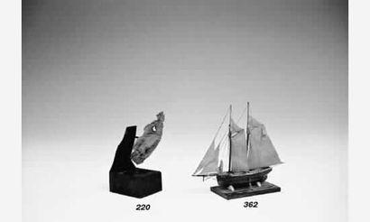 Etude pour une figure de proue. Très fine petite sculpture en buis, XIXème siècle....