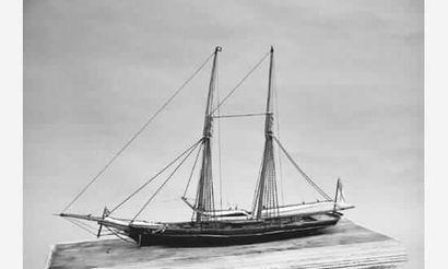 Fine maquette d'un grand yacht anglais. Présenté...