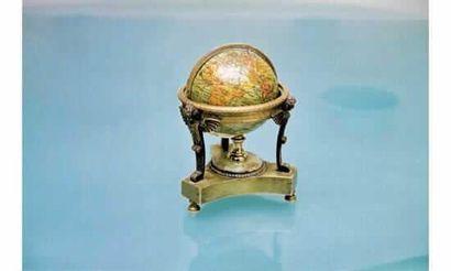 Petit globe terrestre, XIXème siècle, bois...