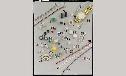 1. BRACELET RUBAN, en or et diamants (19/21000)...