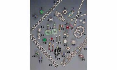 1.BAGUE ÉMERAUDE de COLOMBIE (6 cts) et diamants,...