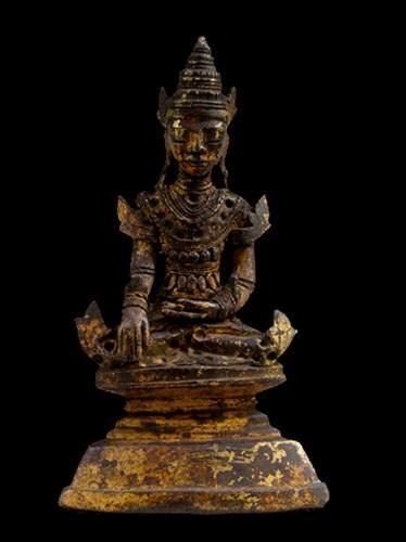 BIRMANIE -Thaïlande Bouddha assis, les mains...