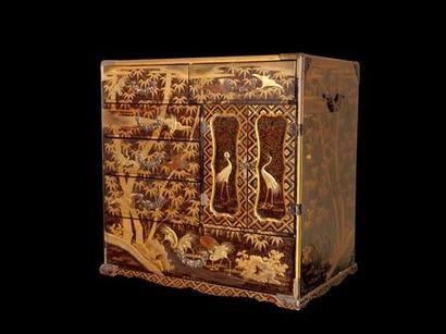 JAPON « Kodansu » Cabinet à huit tiroirs,...