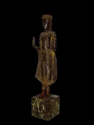 BIRMANIE -Thaïlande Bouddha debout, exécutant...