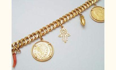 Bracelet en or maille gourmette, retenant...