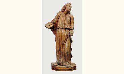 Saint personnage en noyer sculpté en ronde-bosse...