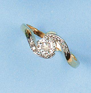 """Bague """"Tourbillon"""" en or jaune ornée d'un diamant taillé en brillant calibrant 0,60..."""