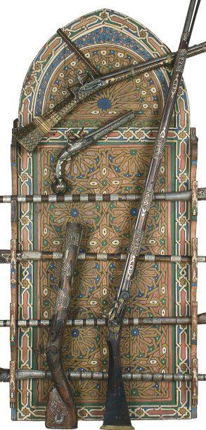 Porte armes en bois peint en polychromie...