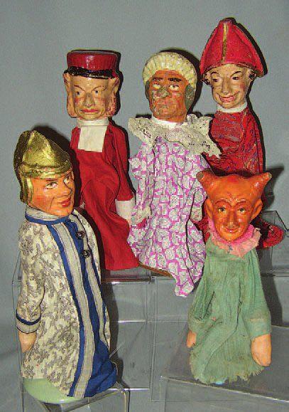 Ensemble de 5 belles marionnettes en composition...