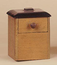 Boîte tiroir à la pièce. Le magicien ouvre...