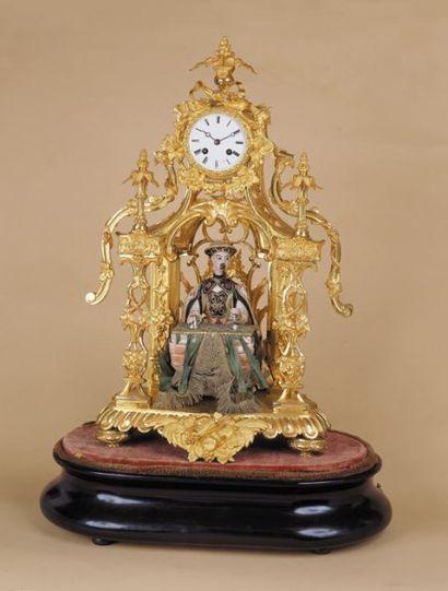 """Pendule-automate : """"l'escamoteur chinois"""" objets (dés, etc.) sur une table truquée..."""