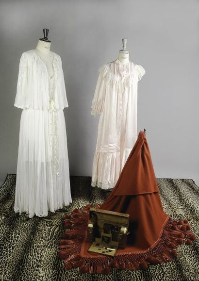 Robes d'interieur :  Christian DIOR et Eve...