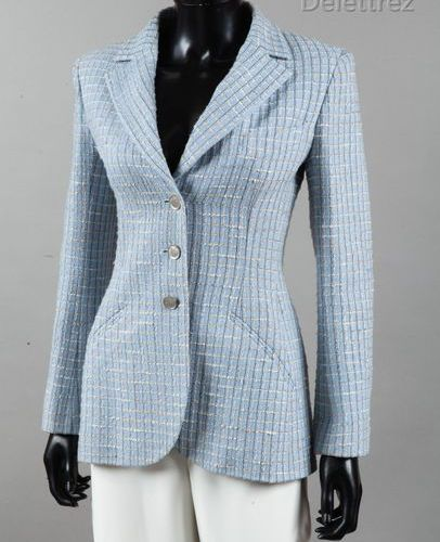 CHANEL Boutique par Karl LAGERFELD Spring/Summer Collection 1998 Jacket in sky b…