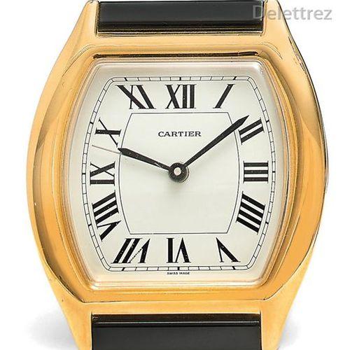 CARTIER Alarm clock quartz clock in the shape of a watch Dim 7,4x8,7cm Does not …
