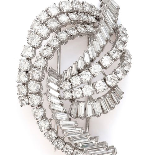 """White gold """"Bow"""" brooch, with interlaced ribbons, some paved with brilliant cut …"""