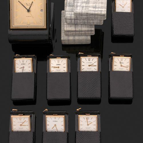 Ensemble de 8 montres de poche moderne à éclipse type Ados. Vers 1960 signé Pota…