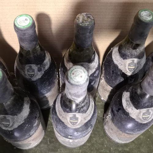 "8 bottles  BEAUNE 1er cru ""Clos de l'Ecu"" Jaboulet Vercherre 1983 Stained and da…"