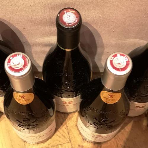 """7 bottles  COTES DU RHONE DIVERS : 3 CHATEAUNEUF DU PAPE """"La Chapelle des Pénite…"""
