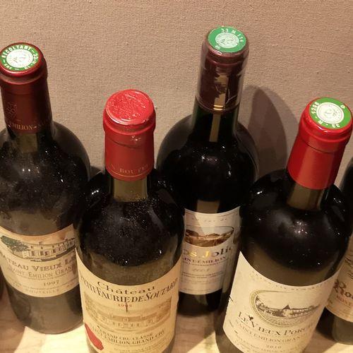 8 Bottles  VARIOUS SAINT EMILION WINES FOR SALE AS IS  CHÂTEAU PETIT FAURIE DE S…