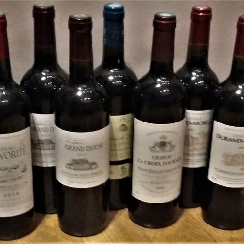 12 bottles  BORDEAUX DIVERS including:  Château La FAVORITE 2010 Côtes de Bourg,…
