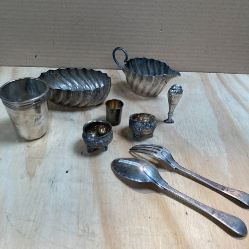 Silver lot composed of a kettle, a liqueur glass, a pair of salerons, a cup and …