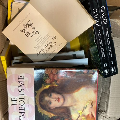 Handle of art books and miscellaneous