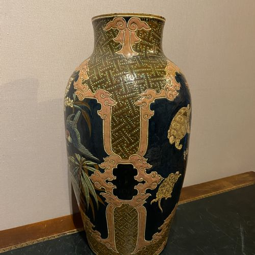 Large enamelled ceramic ballustre vase with Chinese decoration of three blue res…