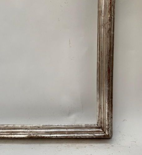 CADRE en bois mouluré argenté Italie, XVIIIème siècle 102,5 x 76 x 7,5 cm