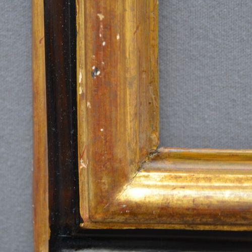 CADRE à profil renversé en bois mouluré, doré et noirci  Italie, XVIIIème siècle…