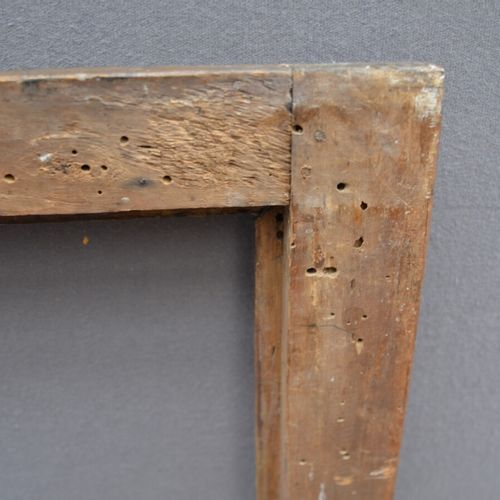 CADRE à profil renversé en bois mouluré, doré et rechampi vert turquoise avec de…