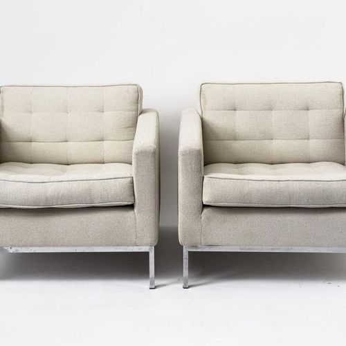 Florence KNOLL Pair of armchairs. Light fabric cover. (signs of wear). Knoll fin…