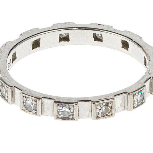 Anneau serti de petits diamants (env. 0,5 ct)  Or gris 750, doigt 55 15
