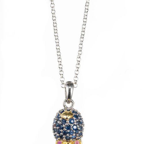 *Pendentif à motif de pingouin serti d'une perle (D env. 8 mm) et pavé de saphir…