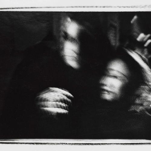 Michael Ackerman (1967)  Naples, 2000, photographie, signée et titrée au dos, 30…