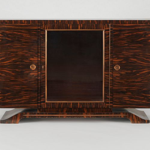 Buffet d'époque Art déco  Trois vantaux dont un vitré, ébène de macassar, 85x135…
