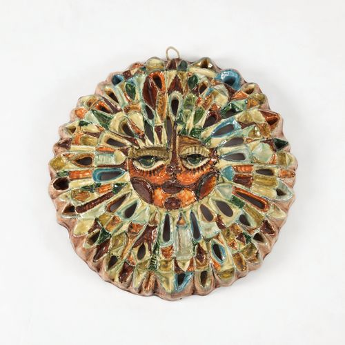 Soleil par Roland Zobel (1915 2006)  Céramique émaillée polychrome, D 45 cm