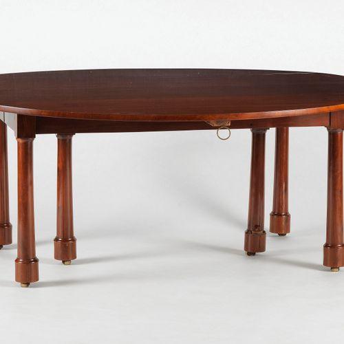 Table de salle à manger, probablement Russie, début XIXe s  Acajou, 70x160x180 c…